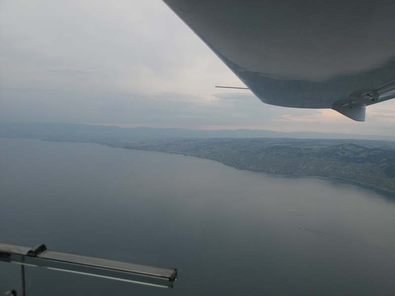 June 2009 : HB-WYB first time over Leman Lake !